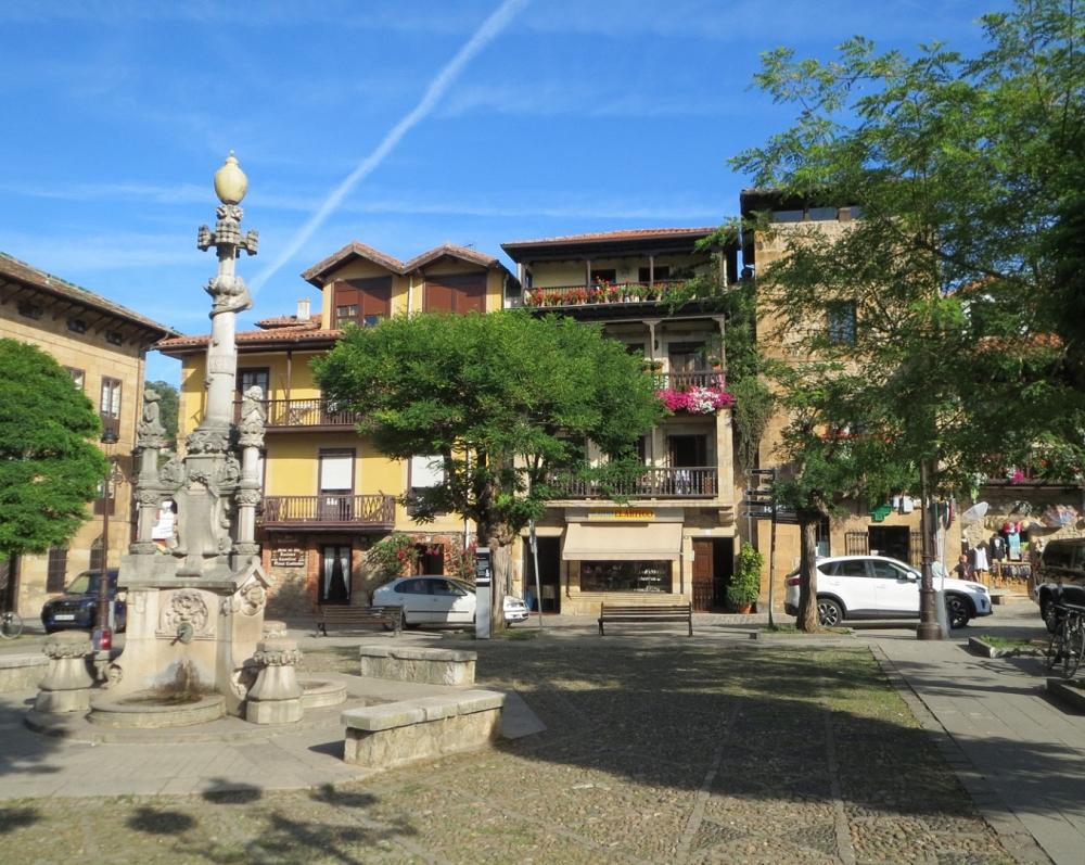 Plaza de los Tres Caños_46